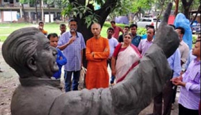 ঢাবি'র '৭ মার্চ ভবনে' স্থাপন করা হবে জাতির পিতার ভাস্কর্য