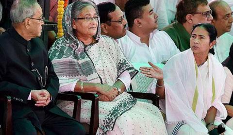 হাসিনা-মমতা বৈঠক চাইছে মোদী সরকার
