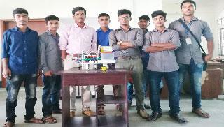 কারখানাতেও কাজ করবে ঝিনাইদহের তিন শিক্ষার্থীর তৈরি রোবট