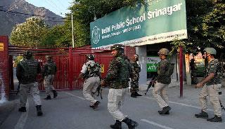 কাশ্মীরের স্কুলে সেনা অভিযানে ২ জঙ্গি নিহত