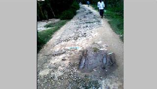 বেহাল তাহিরপুর-গবিন্দশ্রী সড়ক, দূর্ভোগে তিন গ্রামের মানুষ