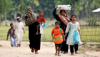 প্রথম রোহিঙ্গা পরিবারকে ফিরিয়ে নিয়েছে মিয়ানমার