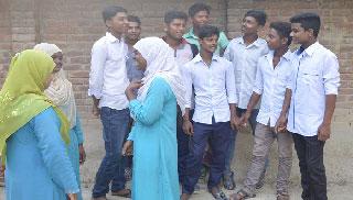 বগুড়ায় অতিরিক্ত ফি আদায়ে দিশেহারা শিক্ষার্থীরা