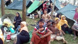 কক্সবাজারে রোহিঙ্গাদের স্বাস্থ্যসেবা প্রদানে আ'লীগের চিকিৎসক দল