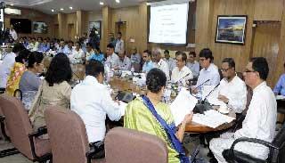 'সরকার ও জনগণের সেতুবন্ধনের দায়িত্ব জেলা প্রশাসকদের'