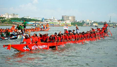 শুক্রবার বুড়িগঙ্গায় জাতীয় নৌকা বাইচ প্রতিযোগিতা