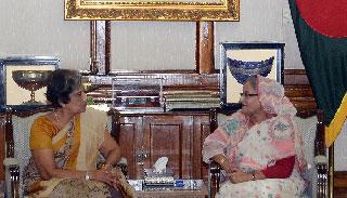 প্রধানমন্ত্রীর সঙ্গে চন্দ্রিকা কুমারাতুঙ্গার সৌজন্য সাক্ষাৎ