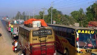 যানজটে স্থবির ঢাকা-টাঙ্গাইল মহাসড়ক