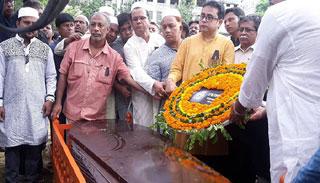 সমকাল কার্যালয়ে শেষবারের মতো গোলাম সারওয়ার:দাফন বিকেলে