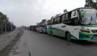 স্বাভাবিক রয়েছে ঢাকা-টাঙ্গাইল মহাসড়কে যান চলাচল