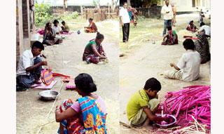 কোটচাঁদপুরে দুর্দশায়বেত শিল্পীরা, ঘুরে দাঁড়াতে চান সহযোগিতা
