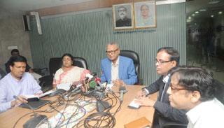 ইউএই'তেই শুধু সরকারিভাবে লোক যাবে : প্রবাসীকল্যাণমন্ত্রী