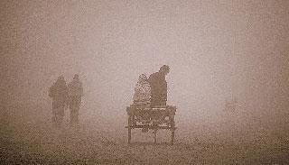 বগুড়ায় কনকনে শীতে বিপর্যস্ত জনজীবন
