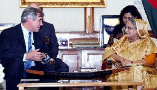 রোহিঙ্গাদের ওপর নৃশংসতা মানবাধিকারের মৌলিক লঙ্ঘন : মার্কিন সিনেটর