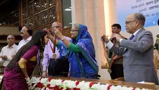 প্রধানমন্ত্রী স্বর্ণপদক পেল নজরুল বিশ্ববিদ্যালয়ের চার শিক্ষার্থী