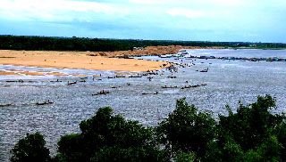 যাদুকাটায় হচ্ছে শাহ-আরেফিন সেতু, আনন্দে ভাসছেন সুনামগঞ্জবাসী