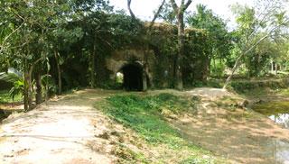 বিলুপ্তির পথে লাউড় রাজ্যের প্রাচীন নিদর্শন