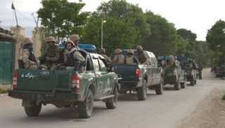 আফগানিস্তানে সামরিক পোশাক পরা তালেবানের হামলায় ৭০ সেনা নিহত