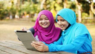 অনলাইনে ব্যাপক হয়রানির শিকার মালয়েশিয়ার মুসলিম নারীরা