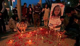 পাকিস্তানে শিশু জয়নবের হত্যাকারীকে গ্রেপ্তারের দাবি