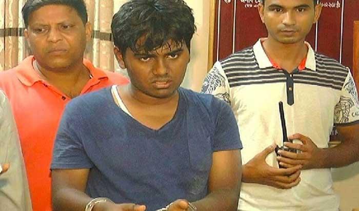 শিক্ষক হত্যাচেষ্টা: রিমান্ডে থাকা ফাহিম 'বন্দুকযুদ্ধে' নিহত