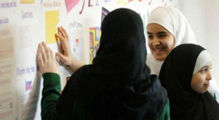 রোজা না পরীক্ষা: দ্বন্দ্বে ব্রিটেনের মুসলিম শিক্ষার্থীরা