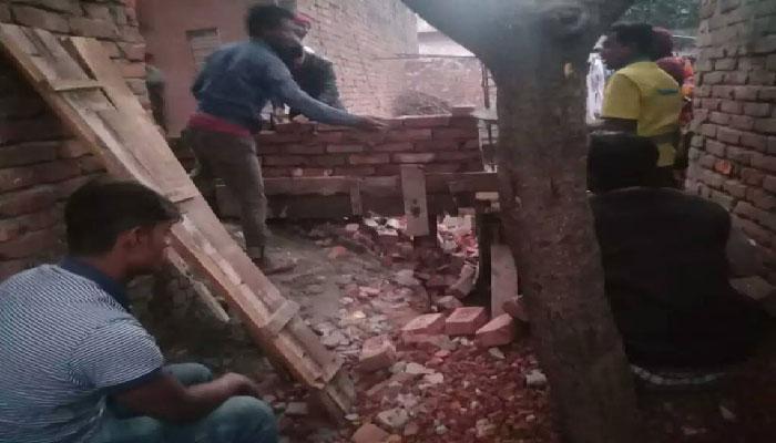 গাজীপুরে প্রতিপক্ষের হামলায় শিক্ষা প্রতিষ্ঠান ভাঙচুর
