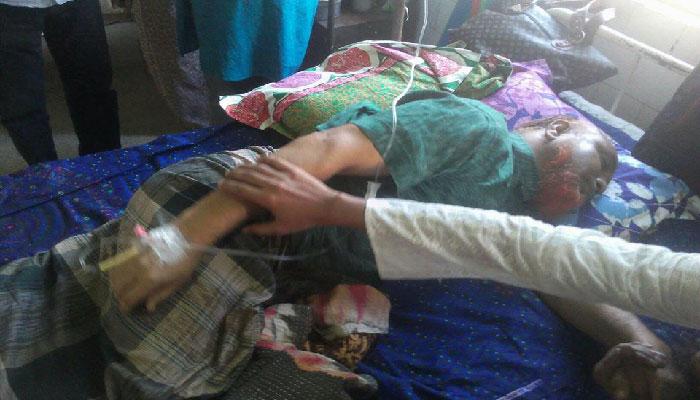 সন্ত্রাসী হামলায় আহত ময়মনসিংহ ডিএই'র উপ-পরিচালক