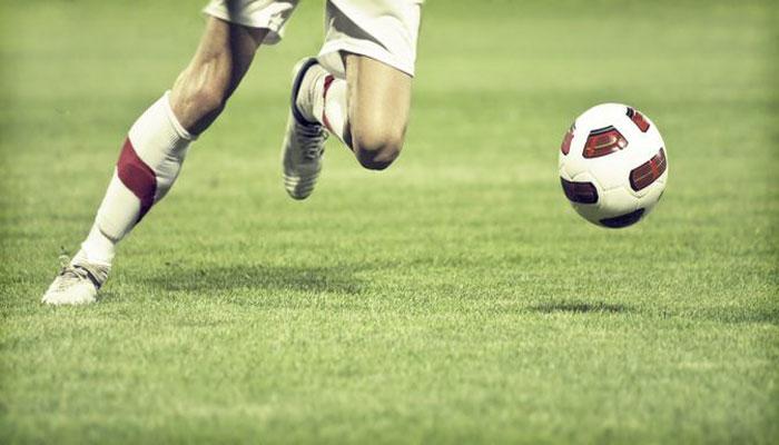 উল্টো মোজা, মাঠে প্রস্রাব: ফুটবলারদের আজব বাতিক
