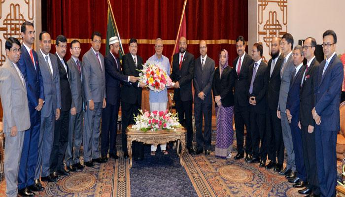 রাষ্ট্রপতির সঙ্গে নতুন নিয়োগপ্রাপ্ত বিচারপতিদের সাক্ষাৎ