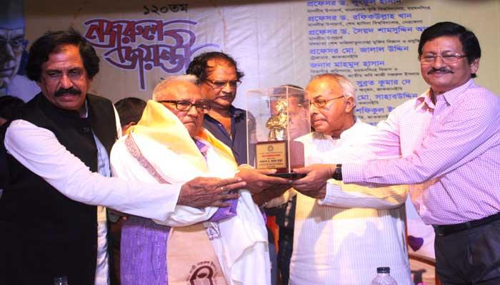 'সর্বপ্রথম বঙ্গবন্ধুই কবি নজরুলকে মূল্যায়ন করেন'