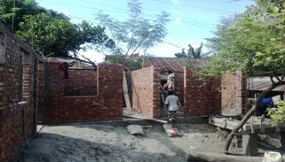 বনের জমি দখল করে বাড়ি নির্মাণের প্রতিযোগিতা: কর্মকর্তারা নিরব