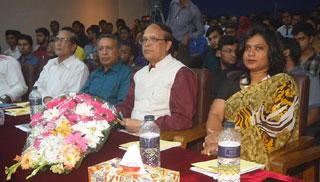 'তরুণদের উদ্ভাবনী উদ্যোগ বাস্তবায়নে বরাদ্দ সময়ের দাবি'