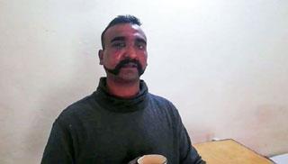 ভারতীয় পাইলটকে ছেড়ে দিচ্ছে পাকিস্তান