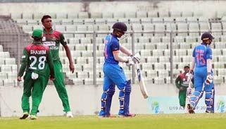 ৬ রানের আক্ষেপ বাংলাদেশ অনূর্ধ্ব-১৯ দলের:শিরোপা  জিতলো ভারত