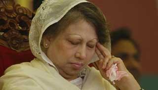খালেদা জিয়াকে হাসপাতালে রেখে চিকিৎসার পরামর্শ