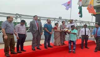 ভুটান থেকে প্রথম পণ্যবাহী জাহাজ ভারত হয়ে নারায়ণগঞ্জে