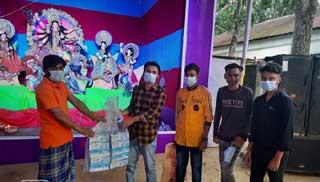 গাজীপুরে পূজামন্ডপে করোনা সুরক্ষা সামগ্রী দিল ছাত্রলীগ