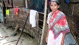 প্রতিবন্ধী রুবিনাকে ঘর নির্মাণ করে দিচ্ছে সরকার