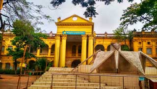 জগন্নাথ বিশ্ববিদ্যালয়: ছোট ক্যাম্পাসের লম্বা ইতিহাস