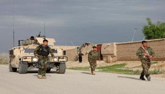 আফগান সামরিক ঘাঁটিতে তালেবান হামলা : নিহত শতাধিক