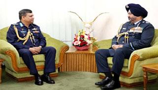 বিমান বাহিনী প্রধানের সঙ্গে ভারতীয় বিমান বাহিনী প্রধানের সাক্ষাৎ