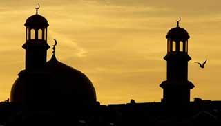ধর্মীয় ভাবগম্ভীর্যে আখেরি চাহার শোম্বা পালিত