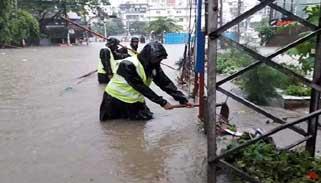 চট্টগ্রামে জলাবদ্ধতা নিরসনে কাজ শুরু করেছে সেনাবাহিনী