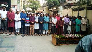 মগবাজারে আইয়ুব বাচ্চুর দ্বিতীয় জানাজা অনুষ্ঠিত