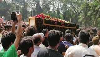 চট্টগ্রামে আইয়ুব বাচ্চুর মরদেহ