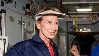 মার্কিন বিমান বাহিনীর প্রধান হিসেবে নারীকে মনোনয়ন দিলেন ট্রাম্প