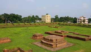নান্দনিক সৌন্দর্যের লীলাভূমি কুমিল্লার ময়নামতি-লালমাই এলাকা