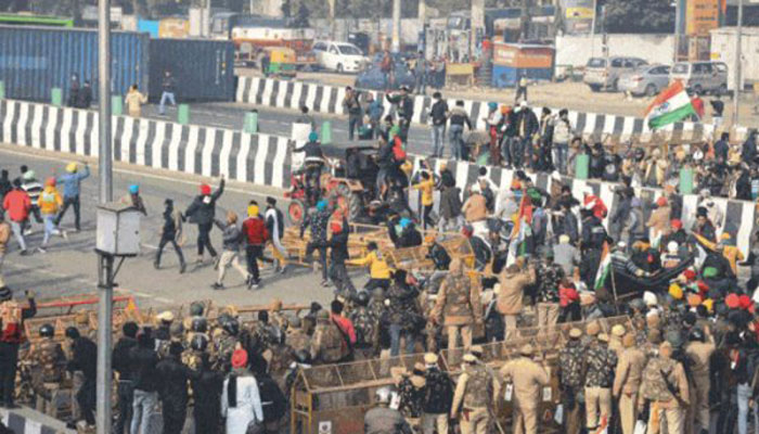দিল্লিতে কৃষকদের সঙ্গে সংঘর্ষ : ৮৬ পুলিশ সদস্য আহত