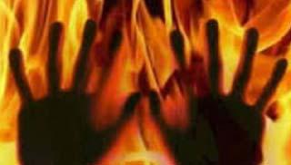 এবার পশ্চিমবঙ্গে ধর্ষণের পর নারীকে পুড়িয়ে হত্যা